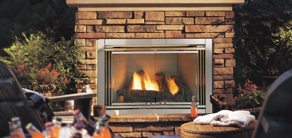 <p>Dakota Gas Fireplace</p>