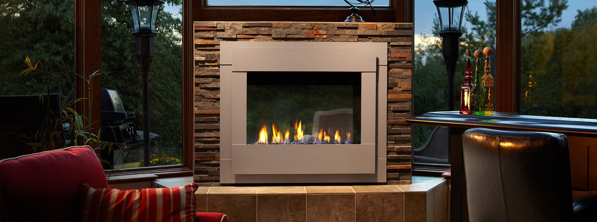 Outdoor lifestyles twilight modern gas outdoor fireplace monessen hearth for Interior exterior gas fireplace